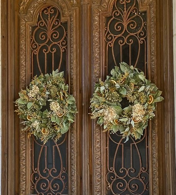 Fall wreaths on front door - J Dub By design
