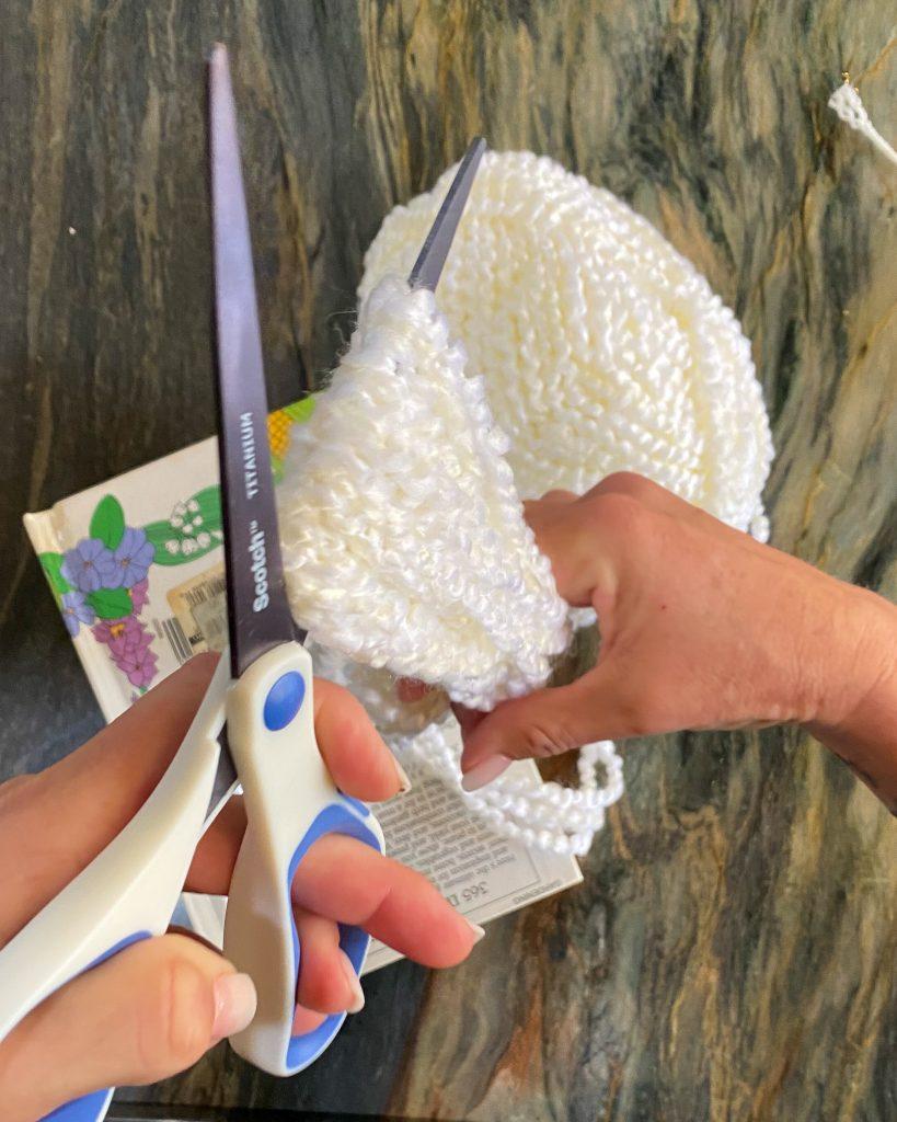 cutting yarn loop in half - J Dub By Design