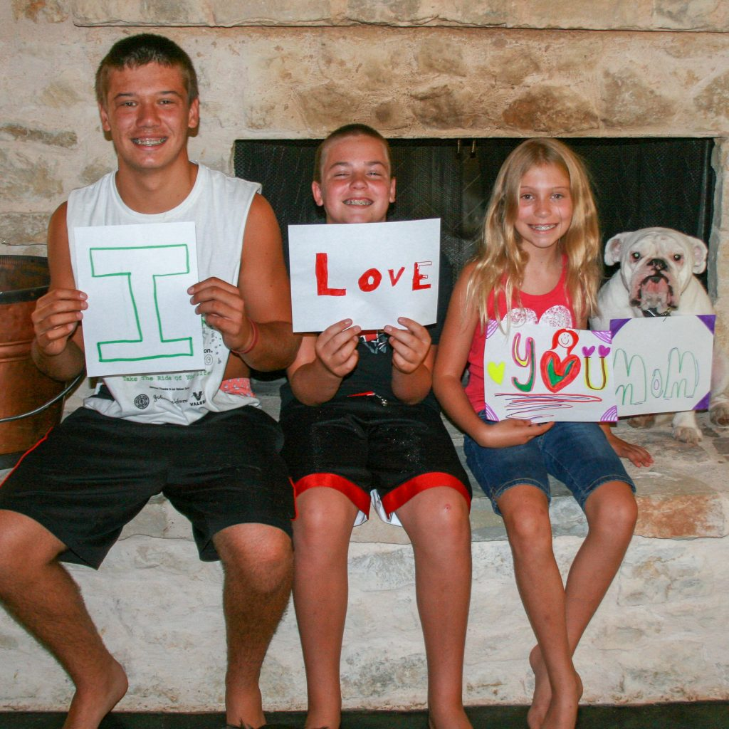 """Kids holding sign that says """"I Love You Mom"""" for Mother's Day - J Dub By Design™"""